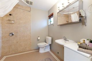 Photo 9: 2550 PEREGRINE Place in Coquitlam: Upper Eagle Ridge House for sale : MLS®# R2465357
