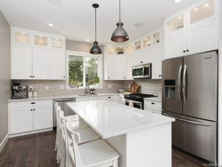 Photo 3: 932 Pritchard Creek Pl in Langford: La Olympic View House for sale : MLS®# 840191