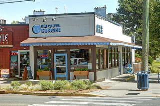 Photo 21: 203 1012 Pakington St in Victoria: Vi Fairfield West Condo for sale : MLS®# 840697