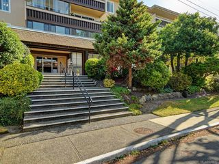 Photo 2: 203 1012 Pakington St in Victoria: Vi Fairfield West Condo for sale : MLS®# 840697