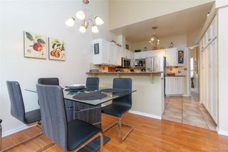 Photo 6: 402 4515 Pipeline Rd in Saanich: SW Royal Oak Row/Townhouse for sale (Saanich West)  : MLS®# 844114