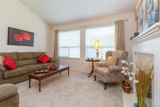 Photo 4: 402 4515 Pipeline Rd in Saanich: SW Royal Oak Row/Townhouse for sale (Saanich West)  : MLS®# 844114