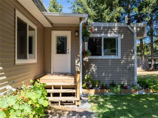 Photo 2: 2179 Fishers Dr in : Na Cedar House for sale (Nanaimo)  : MLS®# 850873
