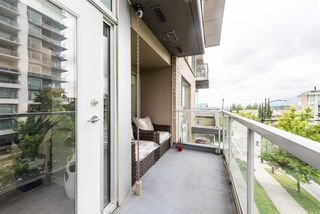 "Photo 13: PH6 1288 CHESTERFIELD Avenue in North Vancouver: Central Lonsdale Condo for sale in ""Alina"" : MLS®# R2393081"