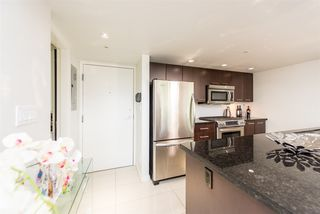 "Photo 4: PH6 1288 CHESTERFIELD Avenue in North Vancouver: Central Lonsdale Condo for sale in ""Alina"" : MLS®# R2393081"