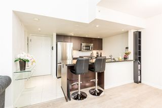 "Photo 5: PH6 1288 CHESTERFIELD Avenue in North Vancouver: Central Lonsdale Condo for sale in ""Alina"" : MLS®# R2393081"