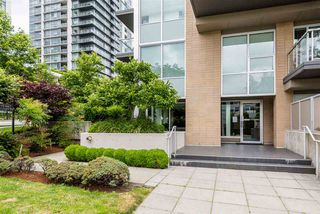 "Photo 2: PH6 1288 CHESTERFIELD Avenue in North Vancouver: Central Lonsdale Condo for sale in ""Alina"" : MLS®# R2393081"
