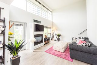 "Photo 9: PH6 1288 CHESTERFIELD Avenue in North Vancouver: Central Lonsdale Condo for sale in ""Alina"" : MLS®# R2393081"