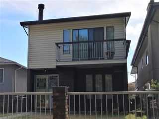 Main Photo: 2496 E 29TH Avenue in Vancouver: Collingwood VE House for sale (Vancouver East)  : MLS®# R2401482
