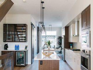 Photo 3: 10420 138 Street in Edmonton: Zone 11 House for sale : MLS®# E4175679