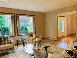 Photo 12: 4388 Parkwood Terrace in VICTORIA: SE Broadmead Single Family Detached for sale (Saanich East)  : MLS®# 416632