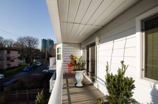 "Photo 18: 306 1066 W 13TH Avenue in Vancouver: Fairview VW Condo for sale in ""LANDMARK VILLA"" (Vancouver West)  : MLS®# R2421462"