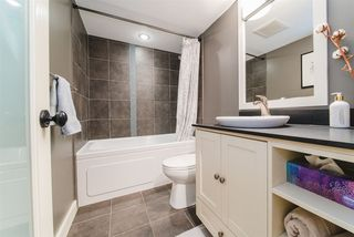 """Photo 10: 101 1415 W GEORGIA Street in Vancouver: Coal Harbour Condo for sale in """"Palais Georgia"""" (Vancouver West)  : MLS®# R2478670"""
