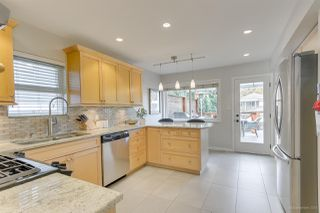Photo 8: 637 E 11 Avenue in Vancouver: Mount Pleasant VE House for sale (Vancouver East)  : MLS®# R2509056