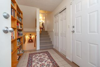 Photo 3: 2 216 Russell St in : VW Victoria West Row/Townhouse for sale (Victoria West)  : MLS®# 860610