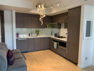 "Photo 4: 1555 38 SMITHE Street in Vancouver: Downtown VW Condo for sale in ""ONE PACIFIC"" (Vancouver West)  : MLS®# R2401297"