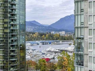 "Photo 1: 1002 1238 MELVILLE Street in Vancouver: Coal Harbour Condo for sale in ""Pointe Claire"" (Vancouver West)  : MLS®# R2416117"