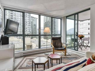 "Photo 5: 1002 1238 MELVILLE Street in Vancouver: Coal Harbour Condo for sale in ""Pointe Claire"" (Vancouver West)  : MLS®# R2416117"