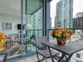 "Photo 16: 1002 1238 MELVILLE Street in Vancouver: Coal Harbour Condo for sale in ""Pointe Claire"" (Vancouver West)  : MLS®# R2416117"