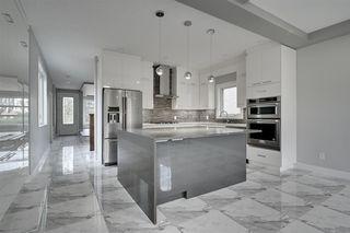 Photo 2: 10909 60 Avenue in Edmonton: Zone 15 House for sale : MLS®# E4182851