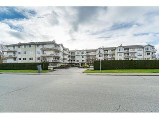 """Main Photo: 314 20600 53A Avenue in Langley: Langley City Condo for sale in """"Riverglen"""" : MLS®# R2433084"""