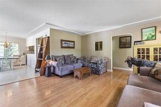 Photo 4: 26233 72 Avenue in Langley: County Line Glen Valley House for sale : MLS®# R2469730