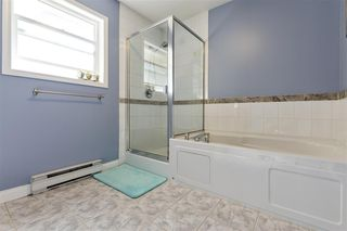 """Photo 14: 11 758 RIVERSIDE Drive in Port Coquitlam: Riverwood Townhouse for sale in """"Riverlane Estates"""" : MLS®# R2503975"""