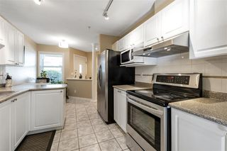 """Photo 8: 11 758 RIVERSIDE Drive in Port Coquitlam: Riverwood Townhouse for sale in """"Riverlane Estates"""" : MLS®# R2503975"""