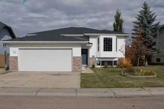 Main Photo: 26 Willow Springs Crescent in Sylvan Lake: Willow Springs Residential for sale : MLS®# A1041014
