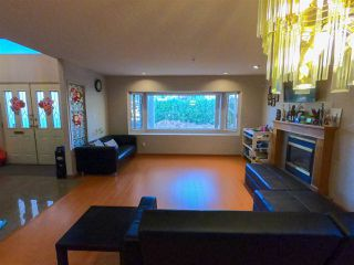 Photo 8: 3568 TURNER Street in Vancouver: Renfrew VE House for sale (Vancouver East)  : MLS®# R2416334