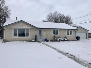 Photo 1: 464 Strathmillan Road in Winnipeg: Jameswood Residential for sale (5F)  : MLS®# 1932858