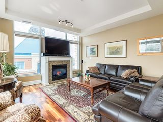Photo 3: 2802 910 5 Avenue SW in Calgary: Downtown Commercial Core Apartment for sale : MLS®# C4297181