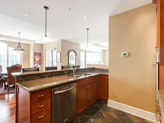 Photo 11: 2802 910 5 Avenue SW in Calgary: Downtown Commercial Core Apartment for sale : MLS®# C4297181