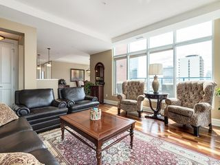 Photo 4: 2802 910 5 Avenue SW in Calgary: Downtown Commercial Core Apartment for sale : MLS®# C4297181