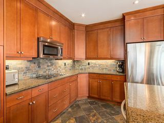 Photo 10: 2802 910 5 Avenue SW in Calgary: Downtown Commercial Core Apartment for sale : MLS®# C4297181