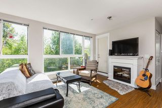 "Photo 8: 307 12075 228 Street in Maple Ridge: East Central Condo for sale in ""THE RIO"" : MLS®# R2491306"