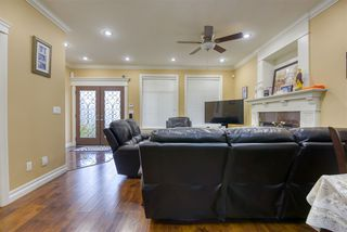 Photo 6: 5869 131A Street in Surrey: Panorama Ridge House for sale : MLS®# R2506530