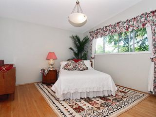 Photo 7: 15631 Roper Avenue in White Rock: Home for sale : MLS®# F2912388