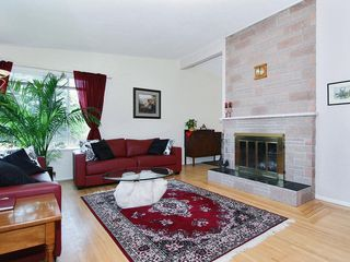 Photo 5: 15631 Roper Avenue in White Rock: Home for sale : MLS®# F2912388