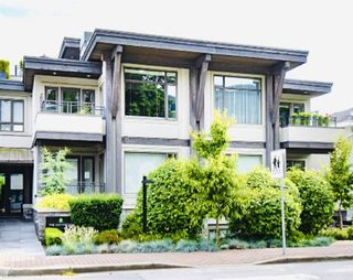 "Main Photo: 200 2432 HAYWOOD Avenue in West Vancouver: Dundarave Condo for sale in ""THE HAYWOOD"" : MLS®# R2531001"