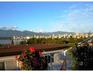 Photo 2: 402 1631 VINE ST in Vancouver: Kitsilano Condo for sale (Vancouver West)  : MLS®# V563897