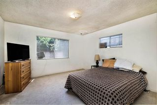 Photo 13: OCEAN BEACH House for sale : 2 bedrooms : 4645 Santa Monica Ave in San Diego