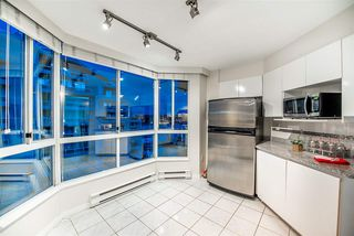 """Photo 10: 1704 1235 QUAYSIDE Drive in New Westminster: Quay Condo for sale in """"Riviera"""" : MLS®# R2404511"""
