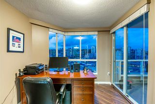"""Photo 16: 1704 1235 QUAYSIDE Drive in New Westminster: Quay Condo for sale in """"Riviera"""" : MLS®# R2404511"""