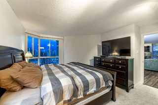 """Photo 14: 1704 1235 QUAYSIDE Drive in New Westminster: Quay Condo for sale in """"Riviera"""" : MLS®# R2404511"""