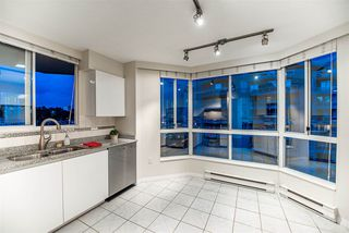 """Photo 11: 1704 1235 QUAYSIDE Drive in New Westminster: Quay Condo for sale in """"Riviera"""" : MLS®# R2404511"""
