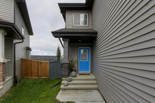 Photo 2: 910 ALBANY PT NW in Edmonton: Zone 27 House for sale : MLS®# E4170540