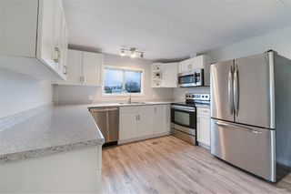 "Photo 6: 2141 CUMBRIA Drive in Surrey: King George Corridor Manufactured Home for sale in ""CRANLEY PLACE"" (South Surrey White Rock)  : MLS®# R2437751"