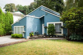Photo 1: 34780 LABURNUM Avenue in Abbotsford: Abbotsford East House for sale : MLS®# R2479993