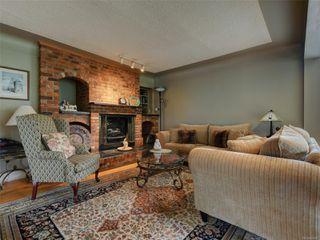 Photo 2: 341 Linden Ave in : Vi Fairfield West Half Duplex for sale (Victoria)  : MLS®# 855827